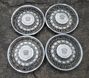 Set Of 4 Oem 1975 84 Cadillac Rwd 15 Wire Spoke Hubcap Wheel Covers Gm 01622897