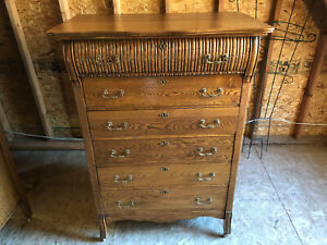 Beautiful Antique Oak Chest Of Drawers