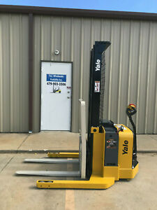 2008 Yale Walkie Stacker Walk Behind Forklift Straddle Lift Only 897 Hours
