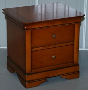 Stunning Solid Cherry Wood Bedside Table Chest Of Drawers Part Of A Large Suite
