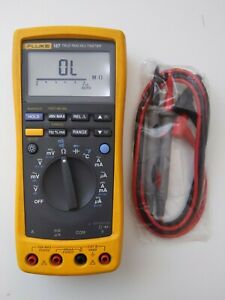 Fluke 187 True Rms Digital Handheld Multimeter Dmm New Test Leads 189 87iv