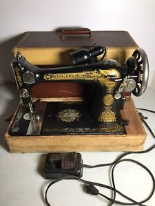 Antique Singer Model 127 Rf 4 8 Treadle Sphinx Sewing Machine With Case G9682774