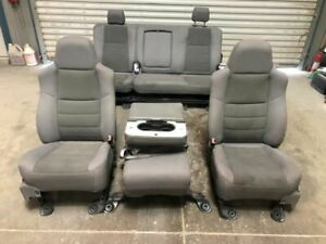 06 Ford F350 Super Duty Crew Cab Front Rear Cloth Gray Bucket Seats W Console