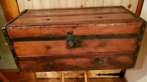 Primitive Pine Wooden Trunk Hope Chest Linens Beautiful New England 28 X14 X12