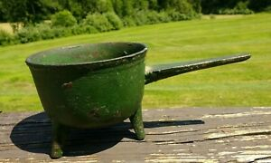 Small Early 1800s Antique Cast Iron Pot W Handle Tripod Legs And Old Green Paint
