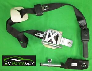 Tesla Model S 2012 2016 Front Seat Belt Pre Tensioner Left 1019468 1004532