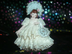 Antique Heirlooms Of Tomorrow Tina 1142 Porcelain Doll Excellent Condition