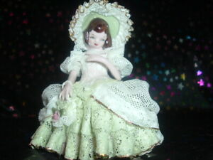 Antique Heirlooms Of Tomorrow Dee 1110 86 Porcelain Doll Excellent Condition
