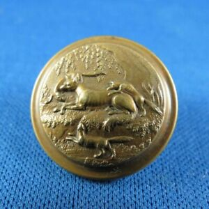 Antique Sporting Button With Fox Dogs Treble Standard Extra Rich