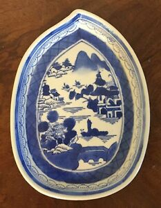 Chinese Export Porcelain Blue White Canton Porcelain Tobacco Leaf Plate 19th C