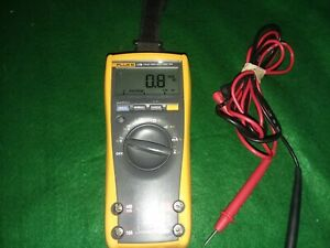 Fluke 179 Digital True Rms Multimeter Good Cond fluke Leads And Magnetic Strap