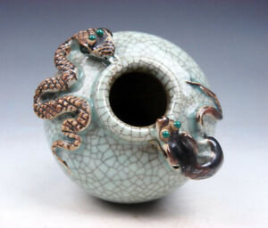 Antique Chinese Crackle Porcelain Water Pot Jar W Snake Mouse 06131908
