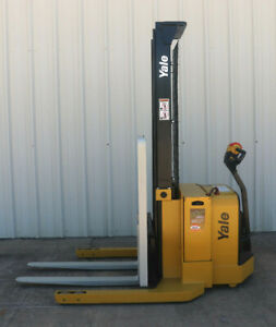 2010 Yale Walkie Stacker Walk Behind Forklift Straddle Lift Only 2858 Hours