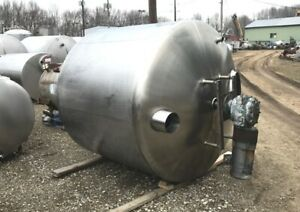 1100 Gallon Stainless Steel Mix Tank Used In Distillery As Sugar Syrup Mix Tank