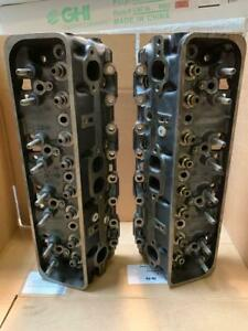 Pair 14102193 Tbi Small Block Chevrolet Cylinder Heads Resurfaced Iron Heads
