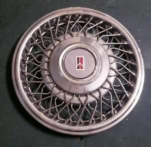 1x 1991 95 Oldsmobile Eighty Eight Ninety Eight Wire Spoke Hubcap Wheel Cover Q