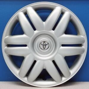 One 2000 2001 Toyota Camry Hubcap 61104 15 Hubcap Wheel Cover 42621aa070 Used
