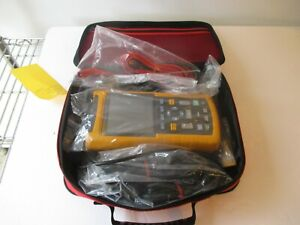 Fluke 123 Industrial Scopemeter 20mhz Oscilloscope Scope Meter W Leads New Cond
