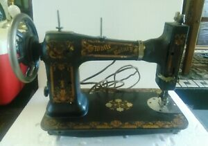 1900 S Antique White Family Rotary Treadle Sewing Machine