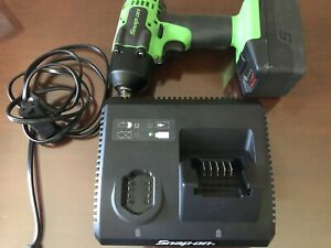 Snap on Ct8810bg 3 8 Drive Impact Wrench With 1 Battery And Charger