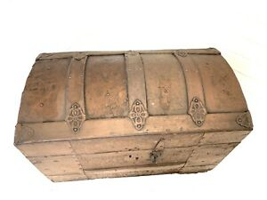 Small Antique Dome Top Steamer Trunk 1800s Child S Travel Chest Embossed Tin Vtg
