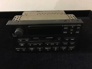Lincoln Navigator Am Fm Css Alpine Oem Xl1f18c870cf Stereo Radio Player 99 00 01