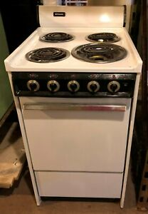 Vintage Frigidaire Electric Stove Small Film Prop St7359
