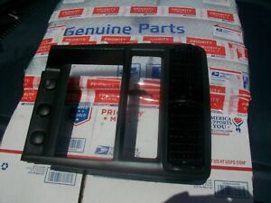 00 01 02 03 04 Ford Mustang Dash Radio Bezel Trim 1999 2000 2001 2002 2003
