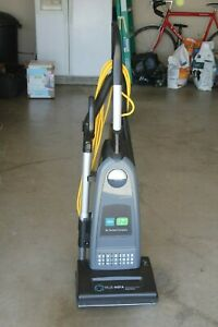 Tennant V dmu 14 14 Commercial Dual Motor Upright Vacuum Cleaner True Hepa Nice