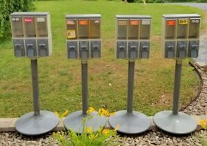 4 Vendstar 3000 Gumball Candy Nut Vending Machines keys Local Pickup Only 17236