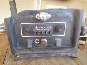 Mgb Early Push Button Radio And Center Console british Motor Corporation