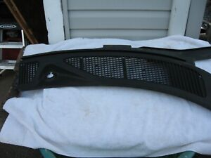 1999 2002 Ford Expedition F150 F250 Right Cowl Panel Windshield Wiper Motor Cov