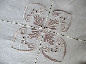 Vintage Tablecloth With Embroidered Decoration Linen 34 Sq