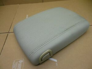03 06 Yukon Denali Escalade Center Console Lid Arm Rest Tan