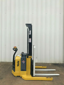 2013 Yale Walkie Stacker Walk Behind Forklift Straddle Lift Only 1844 Hours
