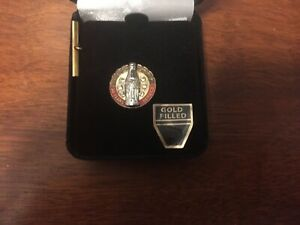 Coca Cola  Gold 30 Year Employee Service Pin, 6 Diamonds
