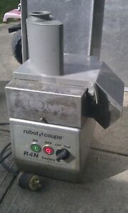 Robot Coupe R4n Series D Food Processor W Metal Top Many Blades Used Guaranteed