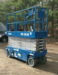 Genie Scissor Lift 3232 New Paint