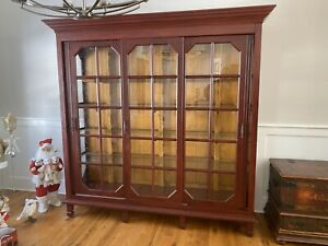 Lillian August Living Dining Room Cabinet Armoire Sliding Doors Lighted Shelves