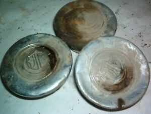 1924 1920 s Chrysler Hub Cap 3 7 8 Wide By 2 High 2 1 2 Threads Really Beat