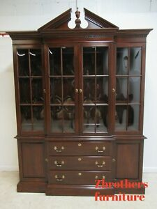 Ethan Allen Georgian Court Bubble Glass Breakfront China Cabinet Display