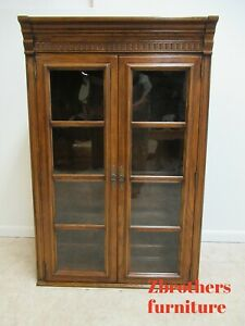 Ethan Allen Royal Charter Oak Hutch Top Display China Cabinet