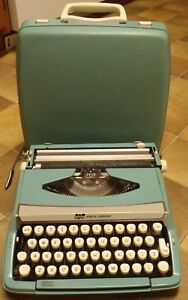 Vitnage Sea Foam Green Scm Smith Corona Corsair Deluxe Typwriter W Case