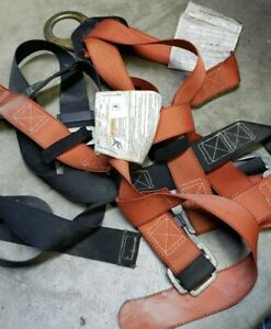 Used Klein Tools 87140 Safety Harness With 87473 6f To 9ft Lanyard