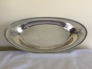 Heirloom Silver Plated Oval Bread Serving Tray