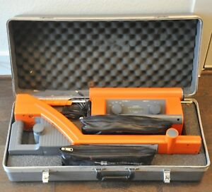 Metrotech 9800 Utility Line Pipe Locator Receiver Transmitter With Case 990