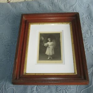 Antique Victorian Walnut Picture Frame Photo Of A Little Girl Wavy Glass