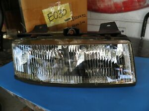 16505532 Headlight Assembly Rh 1990 96 Chevrolet Corsica Gm Nos Part
