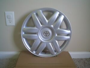 1 2000 01 Toyota Camry 15 Oem Hubcap Wheel Cover W gold 42621 aa070 61104
