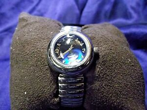 Woman's Coca Cola Watch **Nice** B95-637